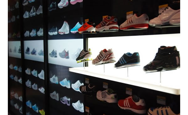 adidas-adiverse-virtual-footwear-wall-d.jpg