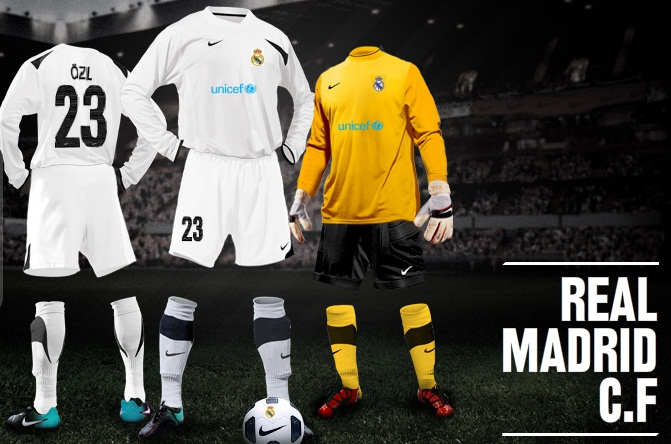 sports shoes 991ca 59bb6 Real Madrid Nike Kit Builder