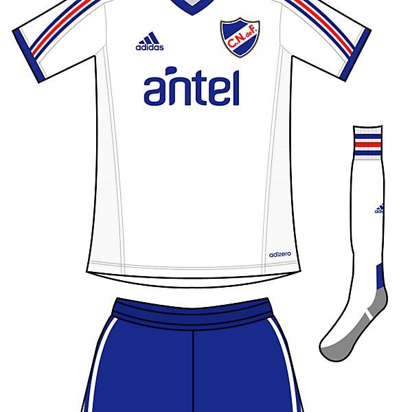 C. Nacional de F. Home Kit