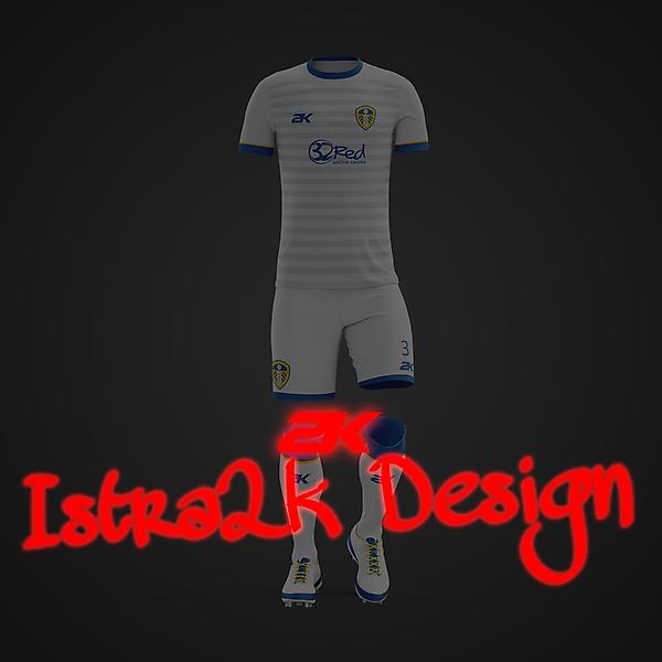 Leeds United kit + YOUTUBE VIDEO !