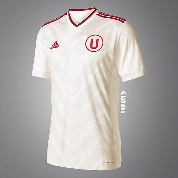 Universitario Adidas jersey